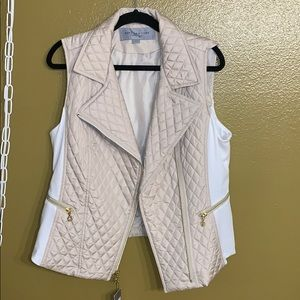 Marc New York white and cream/tan vest